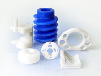 Mecanizado de piezas en plástico.